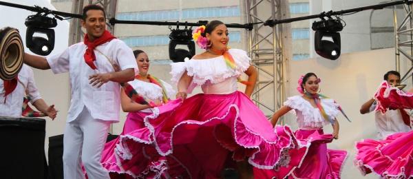 El Consulado de Colombia en Montreal acompañó al Ballet Raíces de Colombia durante su presentación el festival Juste pour rire
