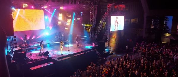 El grupo musical colombiano Esteman hizo vibrar a Montreal en conmemoración del Día Nacional de Colombia