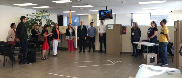 Inició la jornada electoral presidencial 2018 para la segunda vuelta en el Consulado de Colombia en Montreal